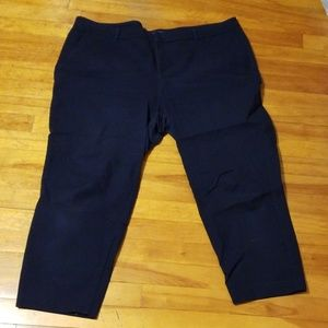 Great condition old navy Harper capri